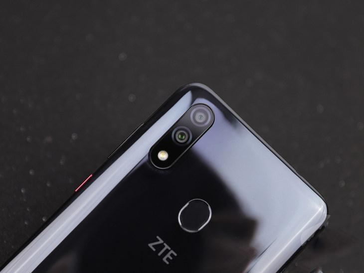 ZTE Blade V10 Review
